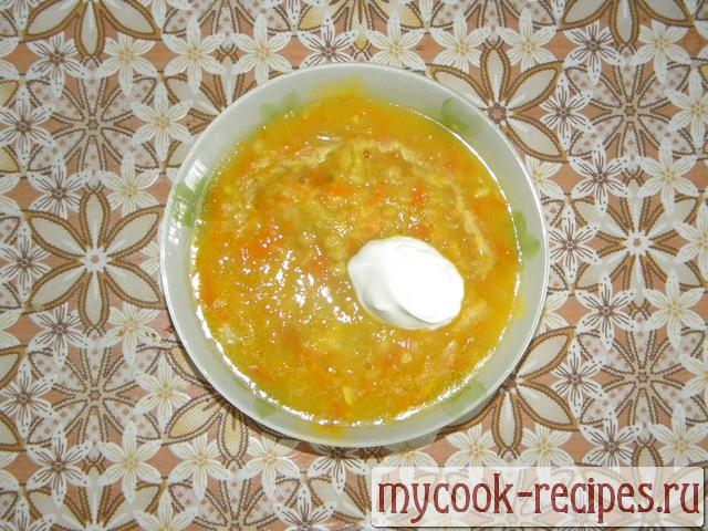 Pea soup from a chicken smoked breast, it is necessary to Serve pea soup to hot